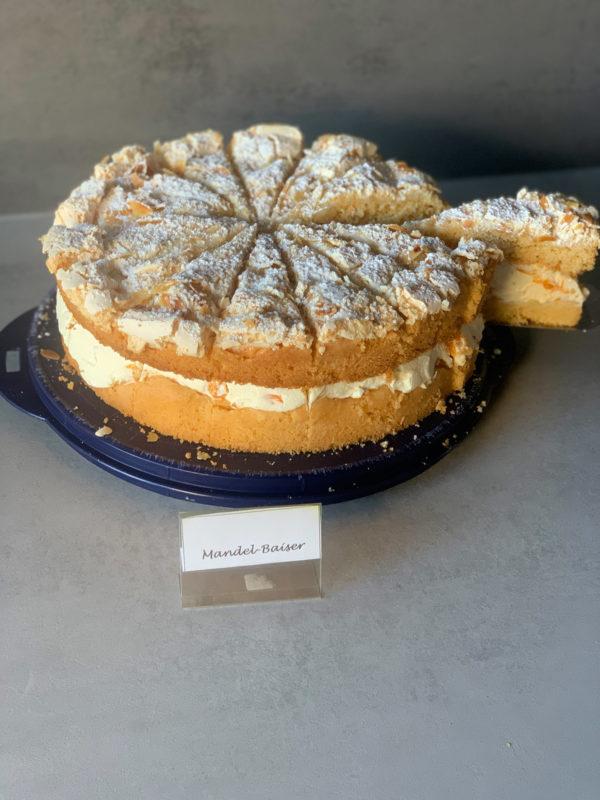 Mandel Baiser Torte